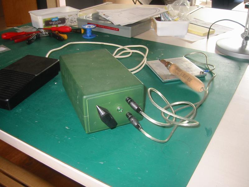 Bekend weerstand soldeer apparaat. XY93