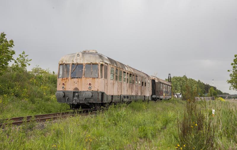Oude Vervallen Treinen In Belgie